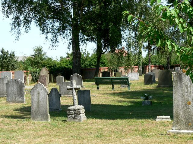 slingsby_cemetery_yorshire_large